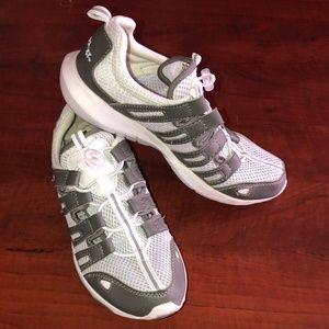 65c06efbb541 Scrubs Rx Shoes on Poshmark